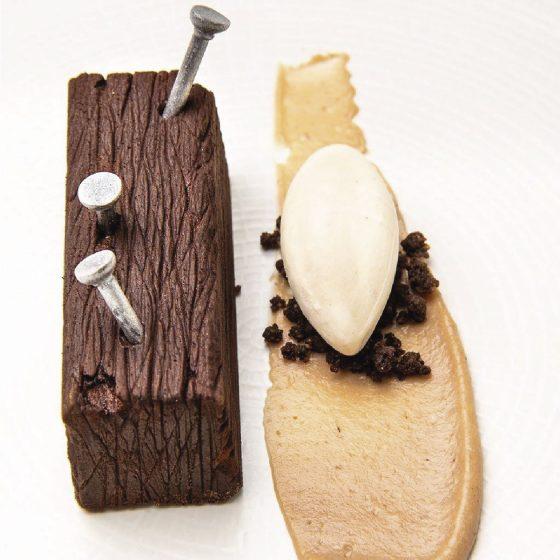 Postre helado en forma madera Restaurante Donaire